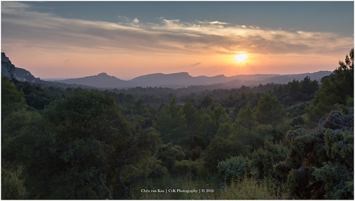 city sunset summer sun holiday france color nature canon landscape europe cityscape frankrijk provence fr cvk lesbauxdeprovence provencealpescôtedazur ngc chrisvankan theroom cvkphotography photography