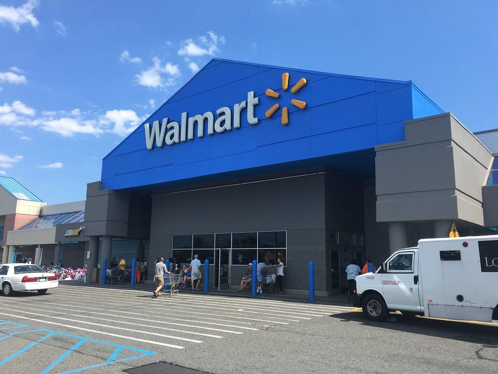 Walmart / Kmart, Westbury, NY | This Walmart store was one o