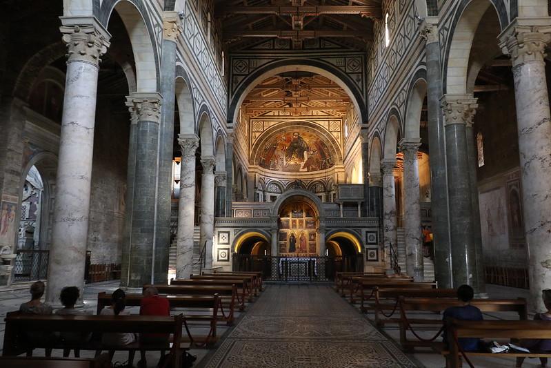 interno della Basilica di San Miniato Firenze