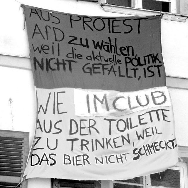 Guten Morgen. Das ist doch mal ein cooler  Banner zur Afd 👍💟☮☸☯🔝 #Dummheit #wahlen #noafd #protest #club #toilette #trinken #banner #quote #drmotte #alternative #statement #deutschland #bier
