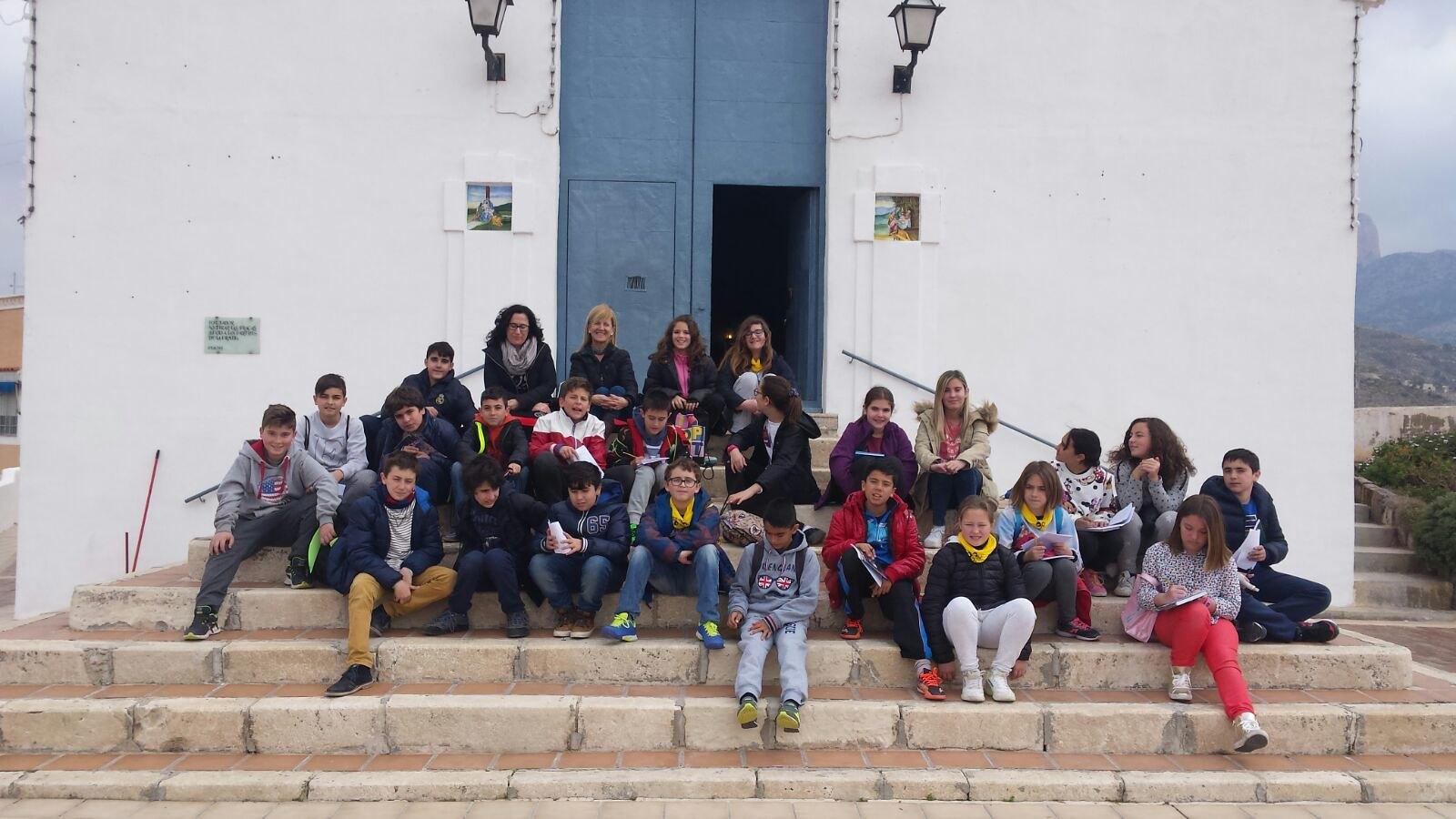 (2016-03-18) - aVisita ermita alumnos Pilar, profesora religión 9´Octubre - María Isabel Berenguer Brotons (02)