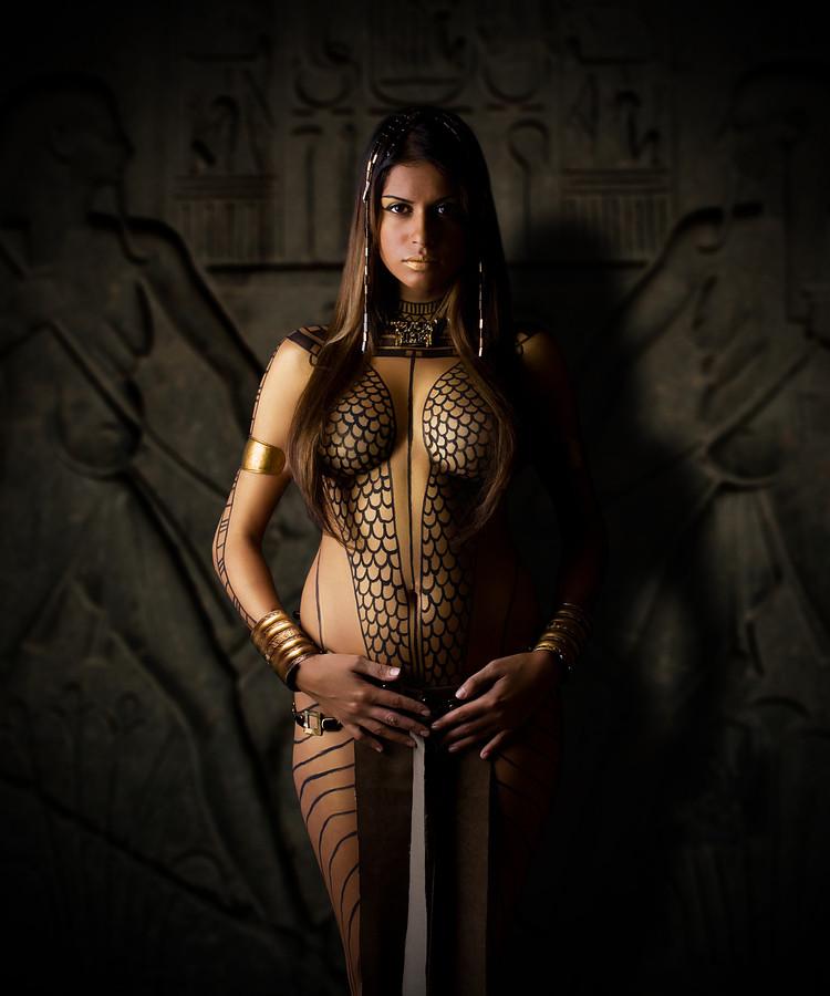 riding-sexy-egyptian-chicks