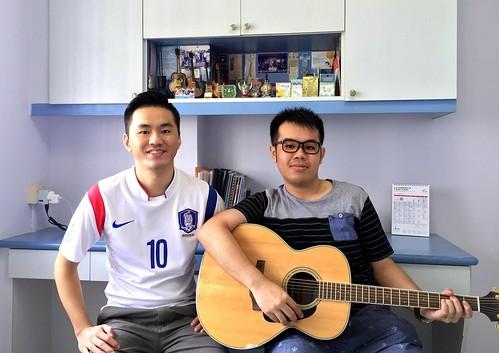 Beginner guitar lessons Singapore Jong