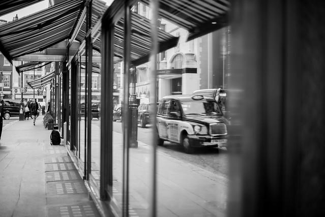 25012016_black cab in the window
