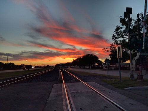 sunset traintracks