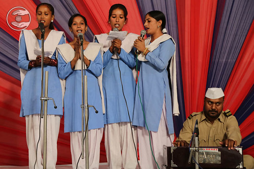 Devotional song by Sewa Dal Volunteers from Karnal