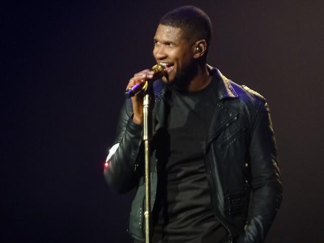 Usher - The UR Experience - Zénith, Paris (2015)