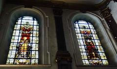 vidriera interior Basilica iglesia San Cristobal Charleroi Belgica 03