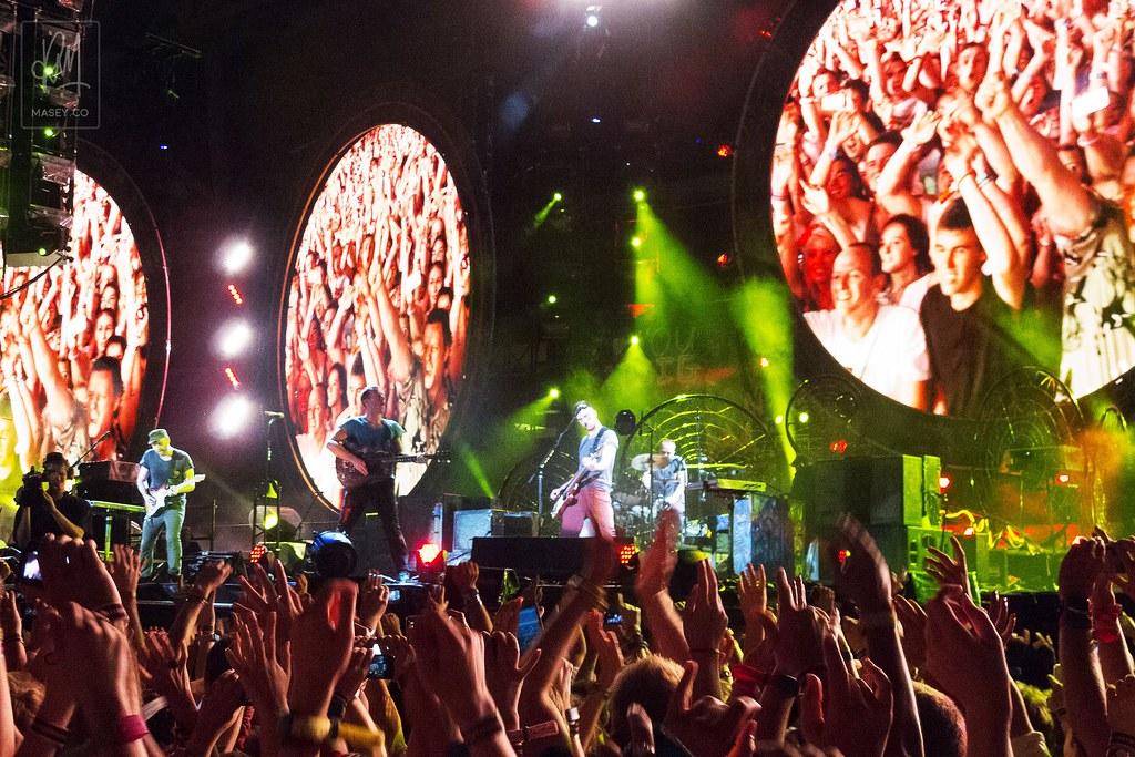 Coldplay play Suncorp Stadium, Brisbane
