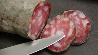 Saucisson-conserver-degustation | by delicesdinities