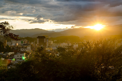 takayamashi gifuken japan jp takayama 高山 sunset sun yellow city trees sky landscape mountains nikon d7000 sigma 1750mm f28g 日本