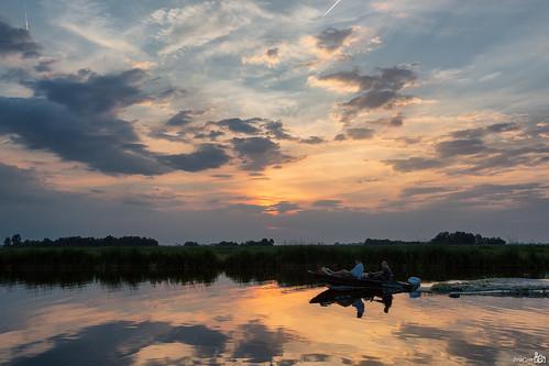 trees sunset holland reflection clouds boot boat zonsondergang bomen sailing nederland thenetherlands wolken kanaal channel noordholland jisp spiegeling varen wormerland bracom bramvanbroekhoven