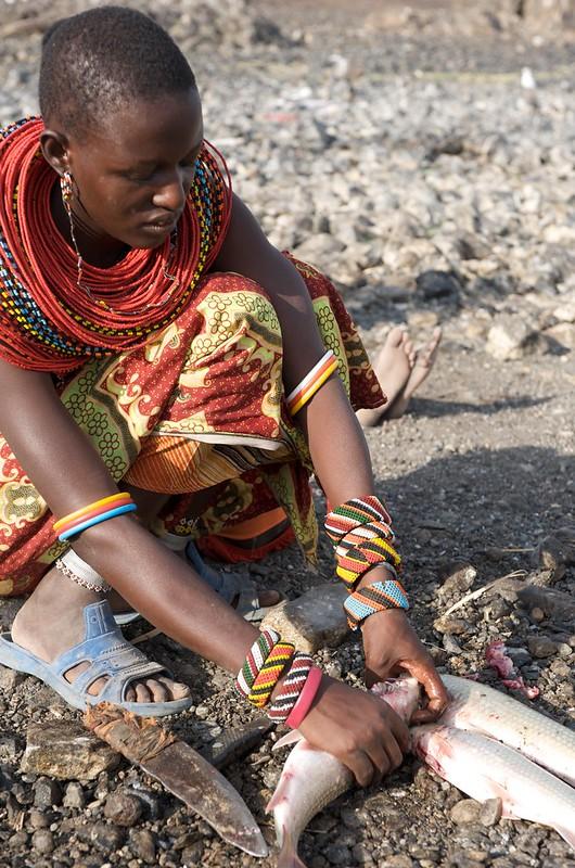 Lake Turkana Cleaning Fish. Photo by Patrick Dugan, 2009.