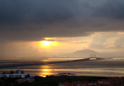 bridge sea sunrise island gulf malaysia penang pinang penangbridge 4thlongestbridgeinsoutheastasia longestbridgeinmalaysia135km