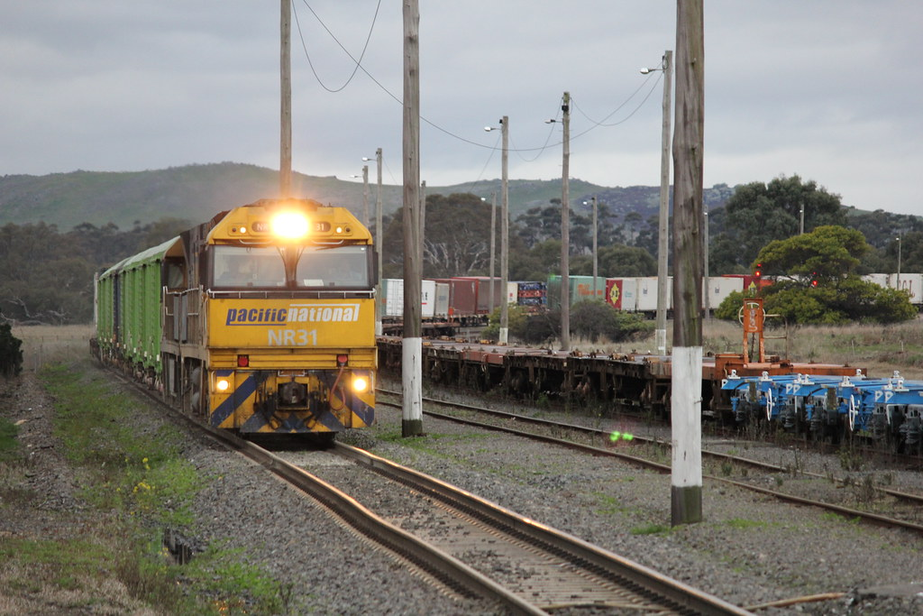 NR31 and NR68 ease there way through Maroona on PM5 superfreight by bukk05