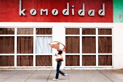 Komodidad   by Alex Stoen