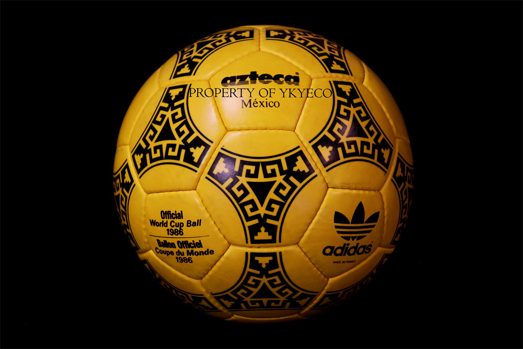 4b86bfaabb6 ... TANGO AZTECA MEXICO YELLOW MADE IN FRANCE FIFA WORLD CUP MEXICO 1986  FIRST EDITION ADIDAS MATCH