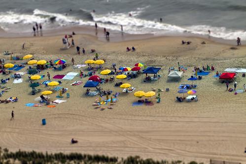 summer beach sand surf perspective maryland scene oceanbeach umbrellas hms tiltshift ps5 fakeminiature canon7d ef70200f28lisiiusm