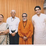 Dr Rahul Joshi, Dr Prakash Joshi, Sanjivani Joshi with The Great Balasaheb Thakeray