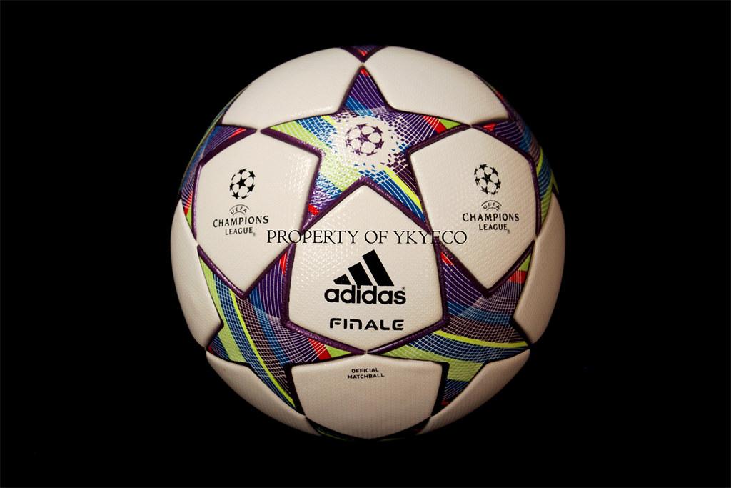 c4276caf5e0 ... UEFA CHAMPIONS LEAGUE FINALE 11 2011-12 ADIDAS MATCH BALL 01
