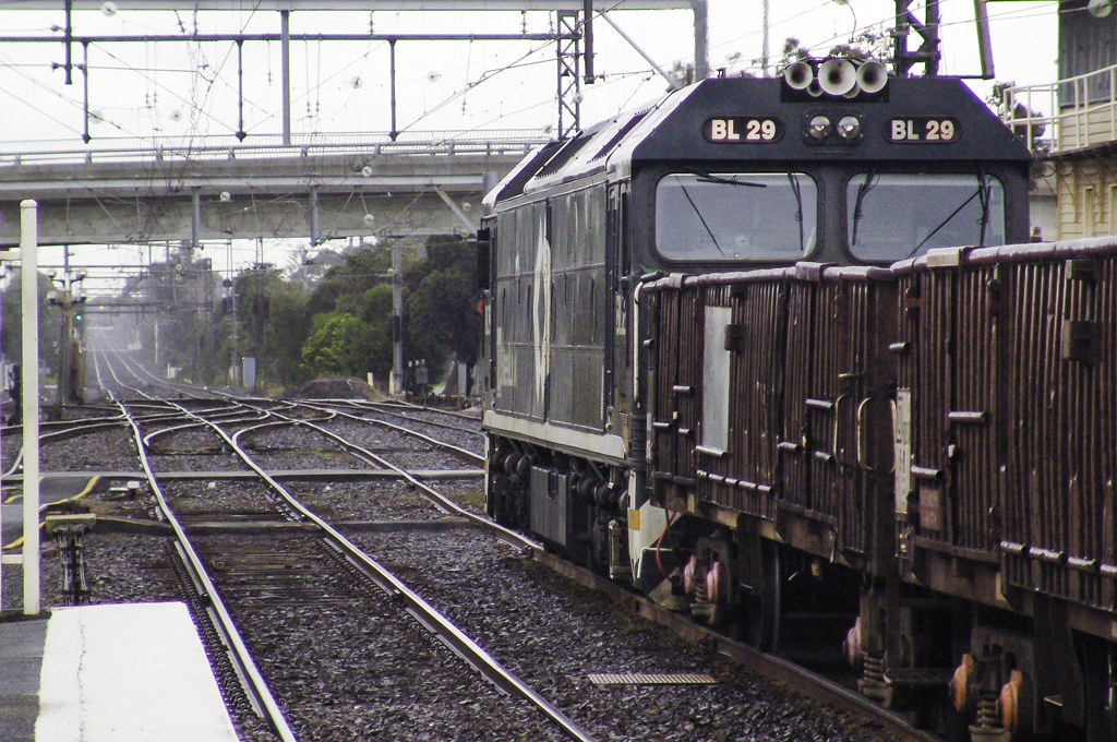BL29_Frankstone_Waiting to proceed Nth_21Aug05 by bluegoldera