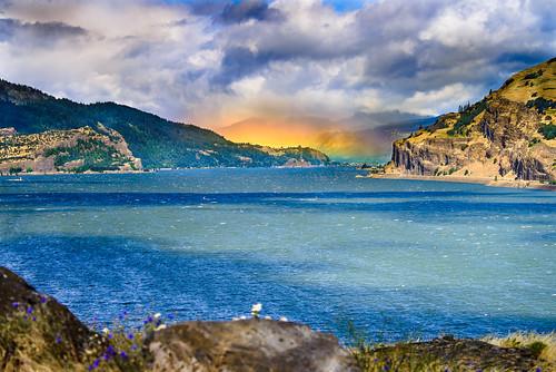 mosier oregon unitedstates columbiarivergorge moiser moiserbend nationalscenicarea rainbow windsurfing colorful uscopyrightregistered2012 downtheriver fav10 fav20 roygbiv