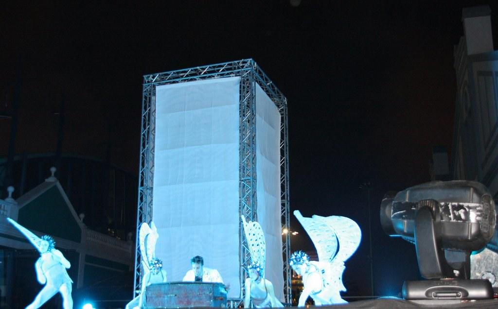 Fotos Representación Carillon 'El Vuelo del Tiempo' de la compañía italiana Kitonb.16 Festival Teatro, Música y Danza Las Palmas de Gran Canaria.