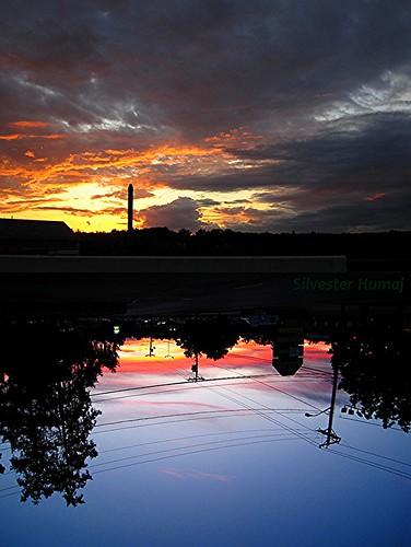 sunset sky usa sun up clouds sunrise ma dawn intense bright dusk massachusetts horizon newengland overcast down valley merrimack flipped lowell flatearth