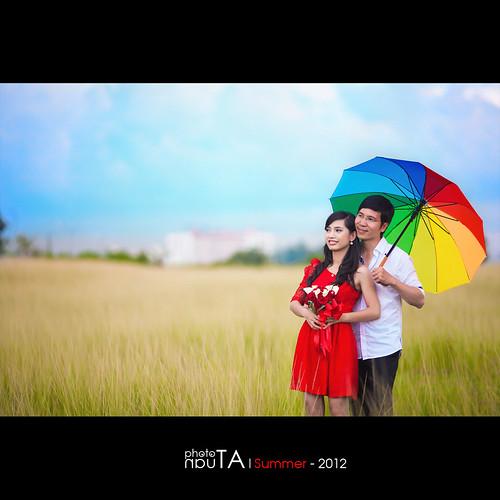 wedding portrait grass couple quyennguyen phuongta