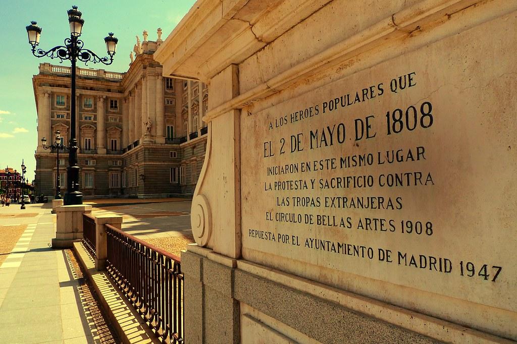 Palacio Real Placa Conmemorativa A Los Heroes Del 2 De Ma Flickr