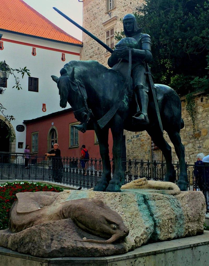 Zagreb: St George Statue