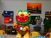 八二三戰史館賣店(八二三咖啡.藝廊)戰地迷彩風獅爺歡迎合照