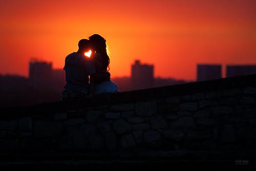 sunset sun love sunshine heart serbia silhouettes lovers belgrade beograd par goldenlight kalemegdan zalazak siluete sunce ljubav sreca neznost zagrljaj zaljubljenost