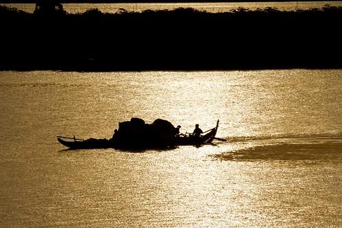 sunrise river dawn asia cambodia southeastasia phnompenh sisowathquay tonlesapriver