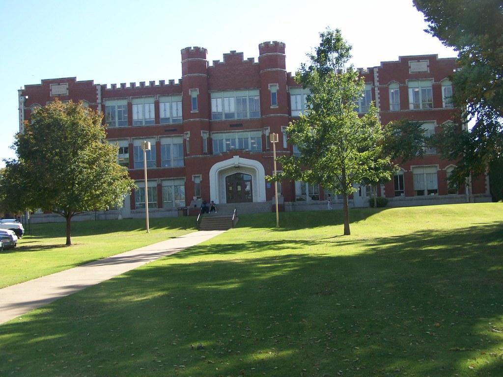 Northwestern Oklahoma State University >> Science Hall Northwestern Oklahoma State University Alva