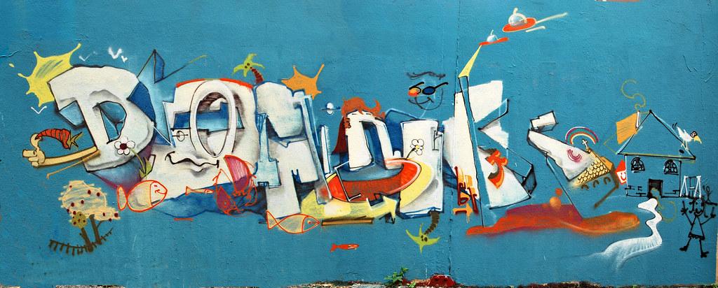 DOMINIK   ReKulatoR aka RKR Kids teach me Graffiti guyforget