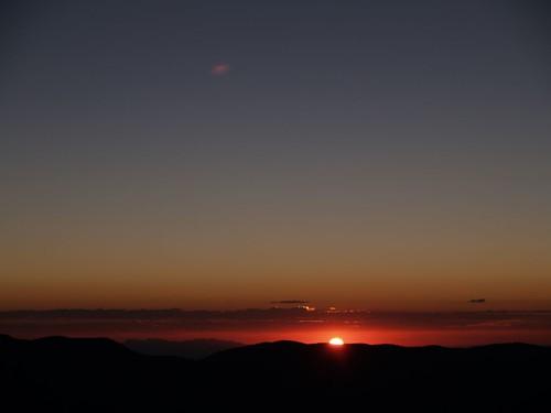 sunrise dawn hiking backpacking sanbernardinonationalforest sangorgoniowilderness trailforksprings trailforkspringscamp
