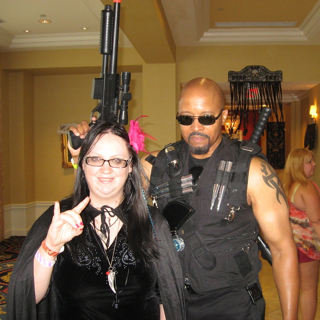 2012 Horrorfind Blade Fan