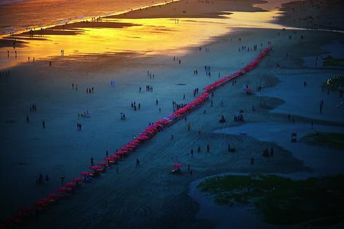 dusk sunset beach coxsbazaar bangladesh light handheld red