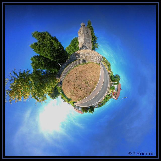 Kriegerdenkmal Flossenbürg - Little Planet