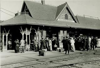 Claremont train station in 1906