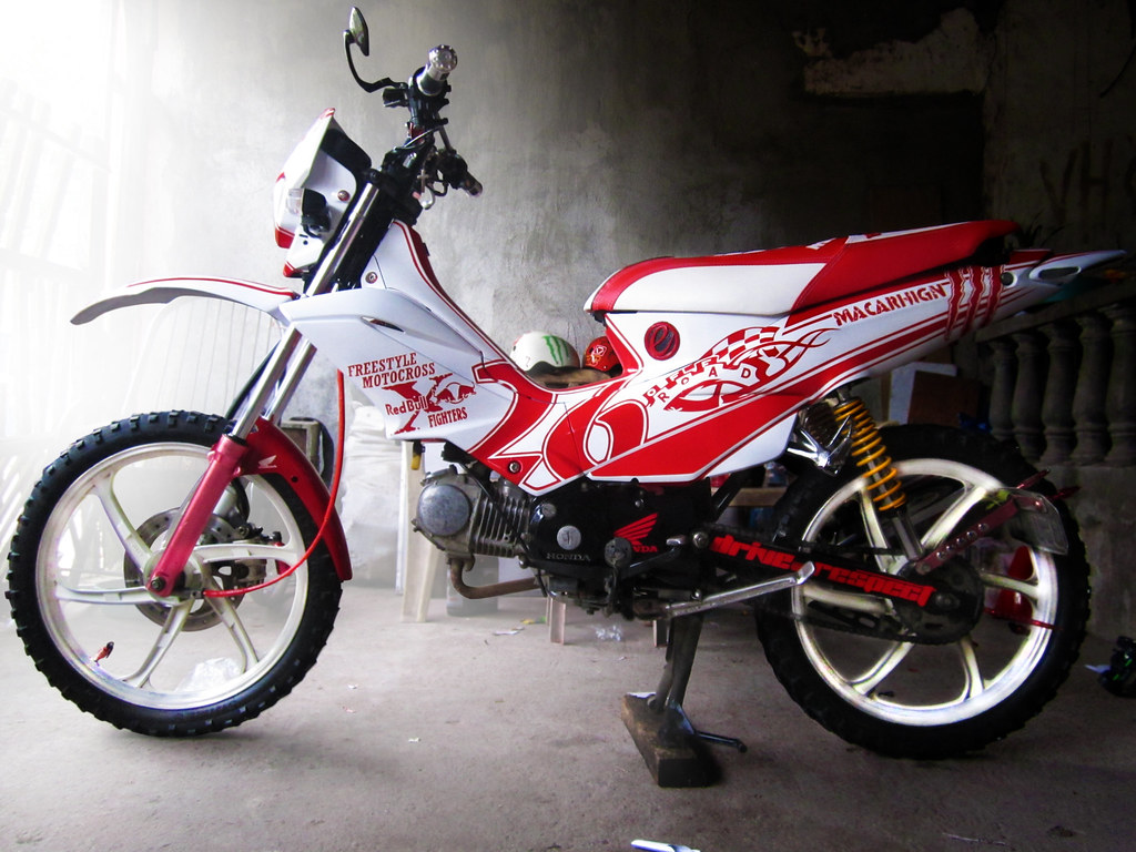 Honda xrm125 left side view by macarhign