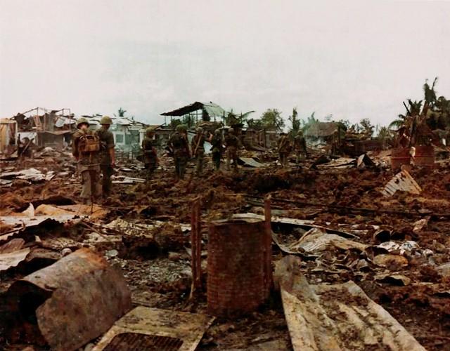 Page 133 Lính Mỹ thuộc SĐ 9BB tiếp tục tảo thanh khu vực gần Kinh Đôi