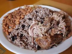 日, 2012-09-02 12:40 - Pernil, black rice, red beans
