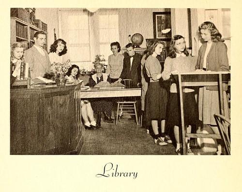 libraries 1940s librarians saddleshoes yearbooks leesmcrae libslibs librariesandlibrarians bannerelknc
