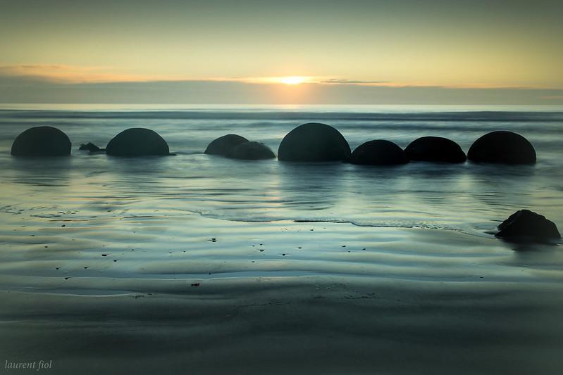 Moeraki boulders (3)