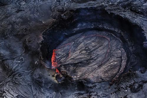 volcano hawaii lava crater geology volcanic aerialphotography eruption kilauea active puuoo lavapool puuoovent