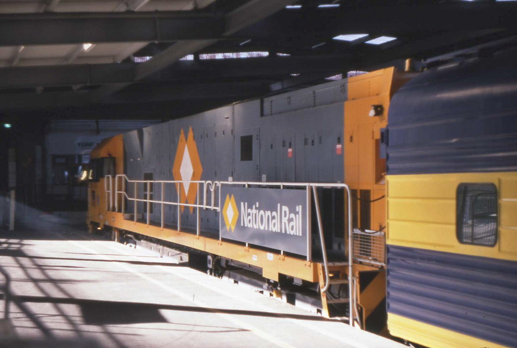 National Rail NR93 Spencer Street 02.02.1998 by Andy Cole