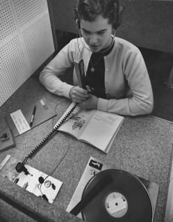 Heidi Shelton '61 in Pomona College's language lab in 1959