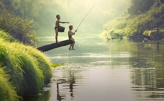Children fishing, Cambodia | by water.alternatives